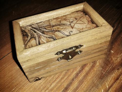 cthuloide wuerfelbox 01