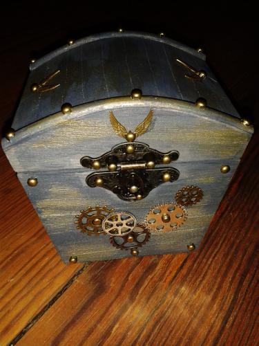 sarah box 02